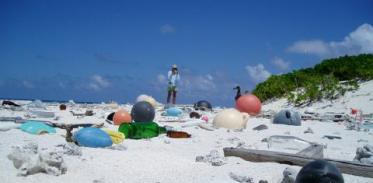 [사이언스타임즈] 태평양 쓰레기섬 16배 커져