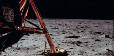 [사이언스타임즈] 아폴로호가 달에 버린 96개 봉투