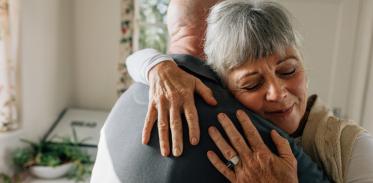 [사이언즈타임즈] 골다공증 특효약은 '사랑 호르몬'?