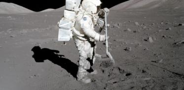 [사이언즈타임즈] 골치 아픈 '달 먼지' 청소법 찾았다